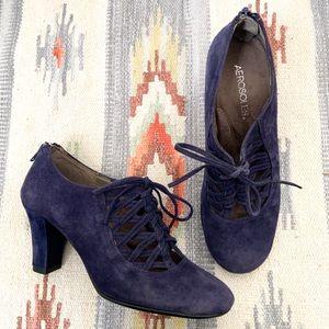 Aerosoles Navy Blue Suede lace Up Heels size 8